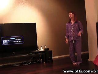 Bffs - Von Pyjama-party Zu Lesbischen Groupsex