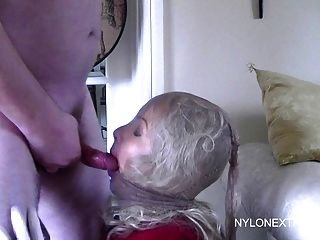 Nylon Maske Hottie Bj Und Sperma Im Gesicht