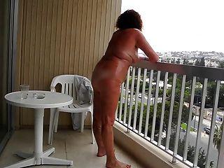 Die Exposition Der Bevölkerung Auf Dem Balkon