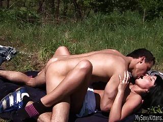 Teen Nikki Wird Im Freien Gefickt Und Jizzed