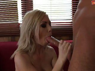 Double Dip In Blonde Teen Mit Großen Titten