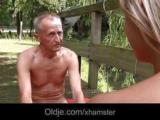 Junge Monika Von Alten Mann Zu Täuschen Get Laid
