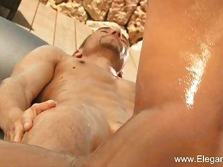 Exotische Nuru Massage Entspannt