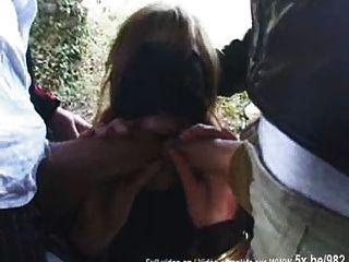 Cassie, Gefickt In Strumpfhose Im Wald