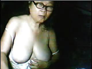 Schüchterne Asiatische Oma 61yr