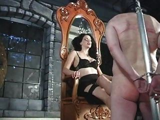 Sexy Herrin Spielt Mit Seinem Penis Rau