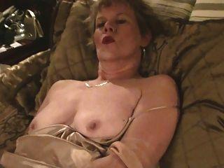 Alte Dame, Strümpfe & Dildo (masturbation)