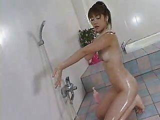 Yu Aizawa Dusche Zeit