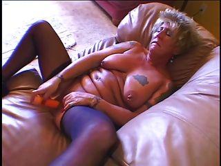 Hot Sexy Oma Wichst Und Vor Einem Großen Last Gefickt