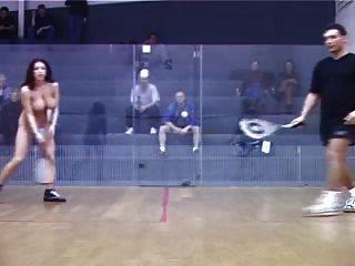 Schamlose Mädchen Tennis Nackt Vor Spielen Der Männer Drängen