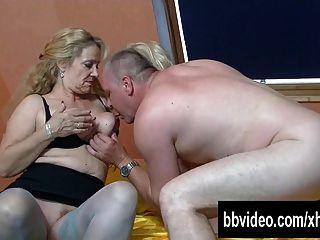 Bisexuell Deutsch Reife Frauen In Dreier Ficken