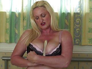 Sexy Reife Mutter Mit Großen Titten Und Arsch