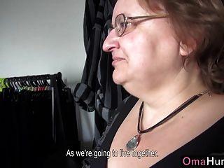 Teenager-mädchen Leckt Mollig Reifen Big Boobs