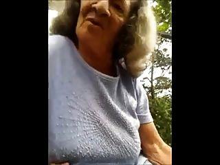 Granny Public Bj Und Handjob