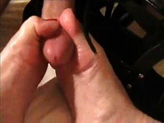 Blondine Gibt Schuhjob \u0026 Leckt Sperma Von Zehen \u0026 Schuhen