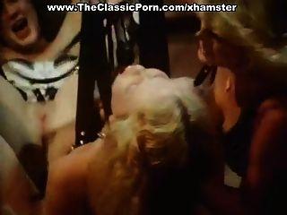 Sexy Dame Hat Einen Fick Im Klassischen Pornofilm