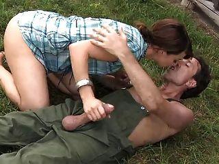 Petite Farm Mädchen Liebt Anal