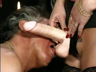 Heiße Mama N143 Blonde Reife Milf Und Ihre Sklavin