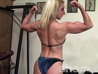 Fit, Reifen Karen Im Shemuscle Fitnessstudio