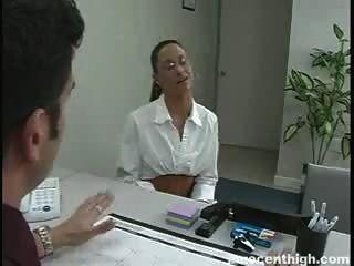 Schüchterner Student Tiffany Thomas Wird Gefangen Betrug Und Spanked