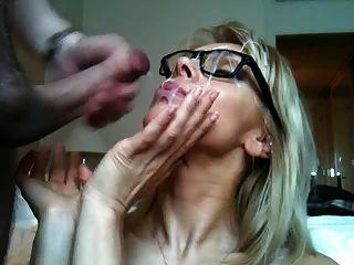 Große Schöne Brille Cumshot