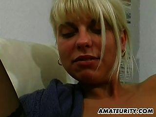 Amateur Teen Freundin Spielzeug Und Saugt Mit Sperma Im Mund