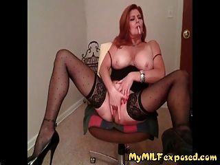 Meine Milf Ausgesetzt Sexy Reife Frau Dessous Stangen Rauchen