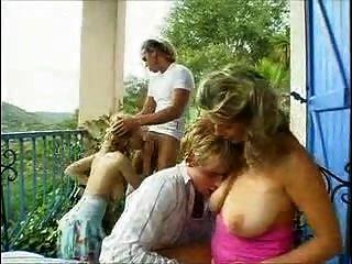 Busty Balkon Sex