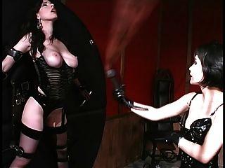 Hardcore Hos Spanking Pussy Während Gebunden