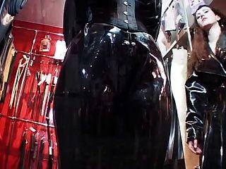 Gummi-dressing Und Sex