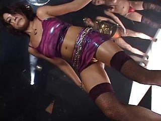 Japan Mädchen Daiya Disco Gogo Boobs Solo Tanz