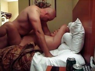 Fette Frau Wird Im Hotelzimmer Geteilt
