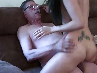 Alter Mann Und Junges Mädchen 2