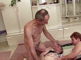 Zwei Deutsche Oma In Porno Casting Mit Fremder Opa
