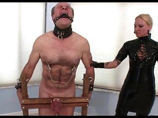 Klingen, Bälle Und Schwanz Folter
