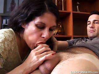 Schöne ältere Latina Ist So Ein Geiler Fick Und Liebt Es Sperma Zu Essen
