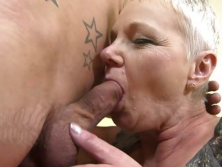 Mature.nl Vollbusige Oma Gefickt Doggy Style