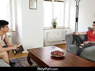 Boyfun Alexis Fickt Seine Schwester Freund Bastian