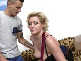Mama Sandra Bekommt Tabu Sex Mit Dem Jungen Sohn