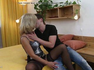 Tabu Hause Sex Mit Sexy Mutter Und Jungem Sohn