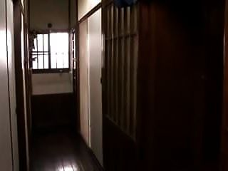 Japanische Hausfrau Milf Verführt Sons Freunde 1