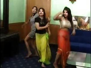 3 Sexy Indische Mädchen Ziehen Sich Nackt Aus