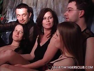 Samt Swingerclub Europäische Mitglieder Treffen Auf Orgie