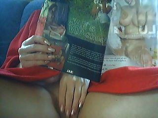 Frau Zu Ihrer Zeit Masturbiert Mit Dildo