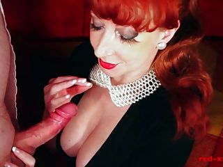 Sexy Milf Red Nimmt Eine Riesen Last Auf Ihre Titten