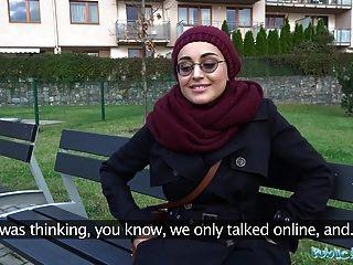 Public Agent Afghanische Schönheit Bezahlt, Um Einen Großen Schwanz Zu Ficken