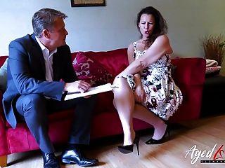 Agedlove Heiße Reife Dame Verführt Geschäftsmann