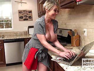Versaute Hausfrau Wird Von Zufälligen Kerl Sie Mich In Den Arsch Gefickt
