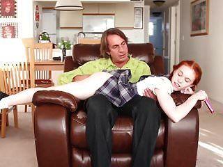 Dolly Kleiner Stiefvater Lehrt Seine Stieftochter