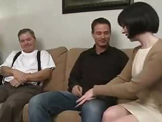Mutter Verführt Sohn Und Lässt Ehemann Zusehen